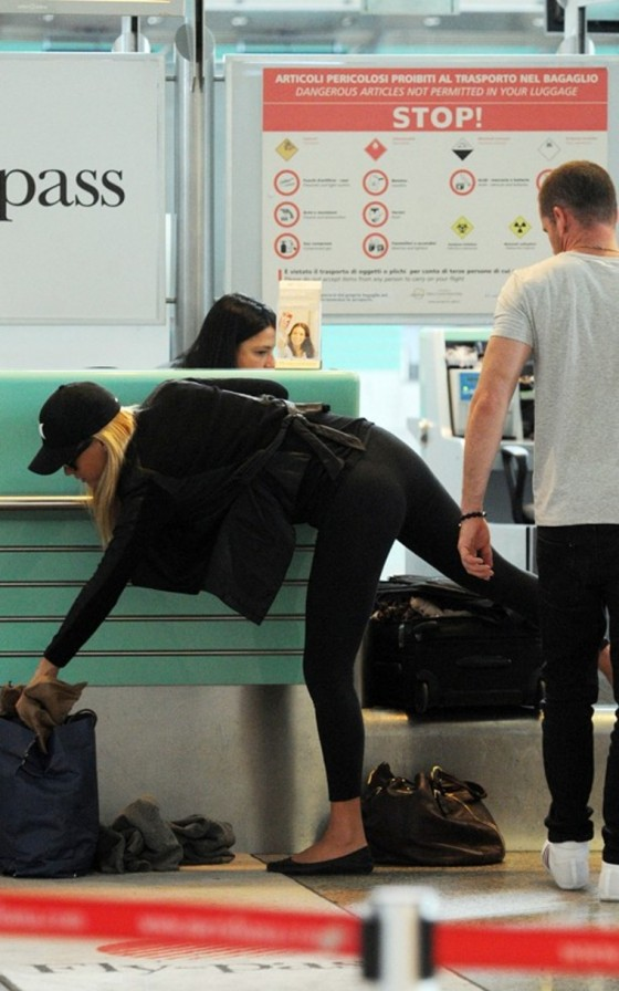 Bar Refaeli Tight Spandex Candids – Airport – Italy-07