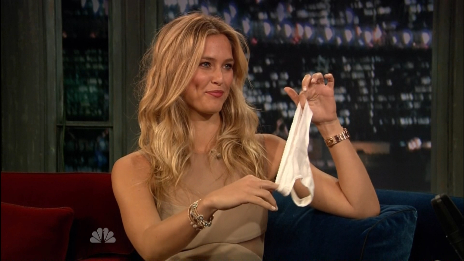 Is a cute Cleavage Bar Refaeli naked photo 2017