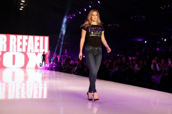 Bar Refaeli – Gindi Fashion Week In Tel Aviv-19