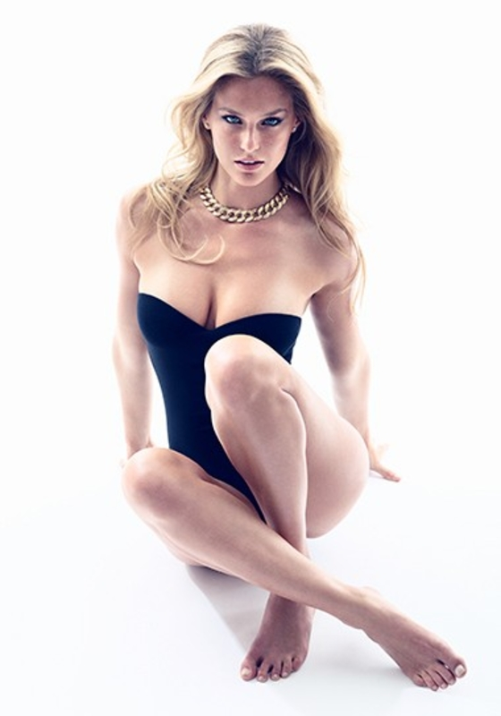 http://www.gotceleb.com/wp-content/uploads/celebrities/bar-refaeli/gq-uk-magazine-sept-2011/Bar%20Refaeli%20-%20GQ%20UK%20Magazine%20-%20Sept%202011-04.jpg