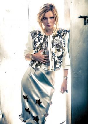 Bella Thorne: 360 Magazine 2014 -03