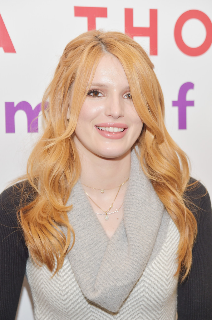 Bella thorne quot autumn falls quot book signing in nyc