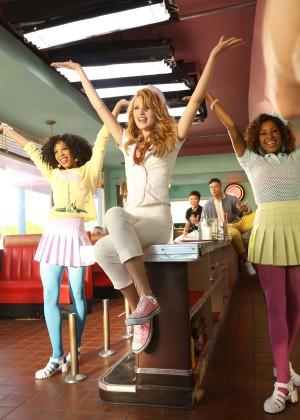 Bella Thorne: Call It Whatever music video -40