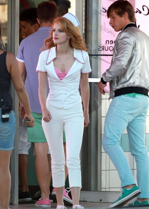 Bella Thorne: Filming her new music video -10
