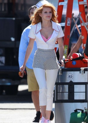 Bella Thorne: Filming her new music video -14