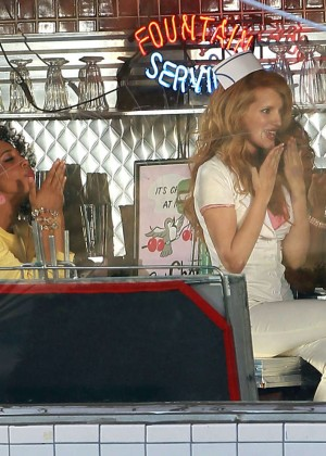Bella Thorne: Filming her new music video -17