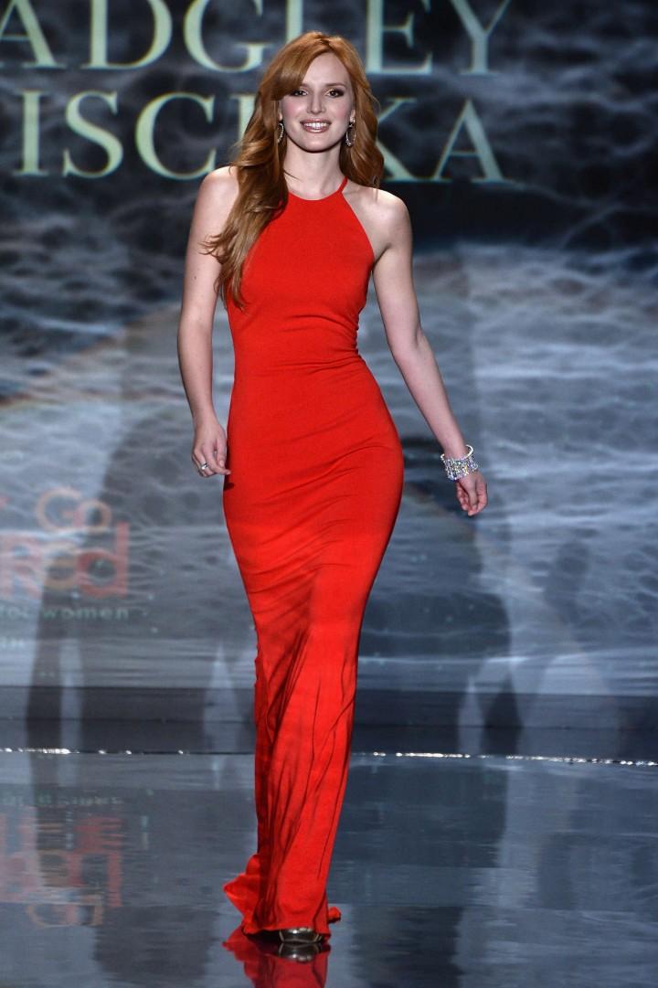 Bella thorne 2014 red dress fashion show 11 gotceleb Good style fashion show cleveland 2014