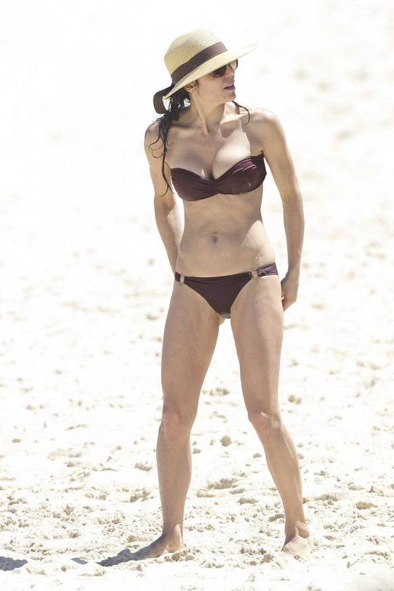 Bethenny Frankel 2013 : Bethenny Frankel in Bikini on vacation in Australia -05