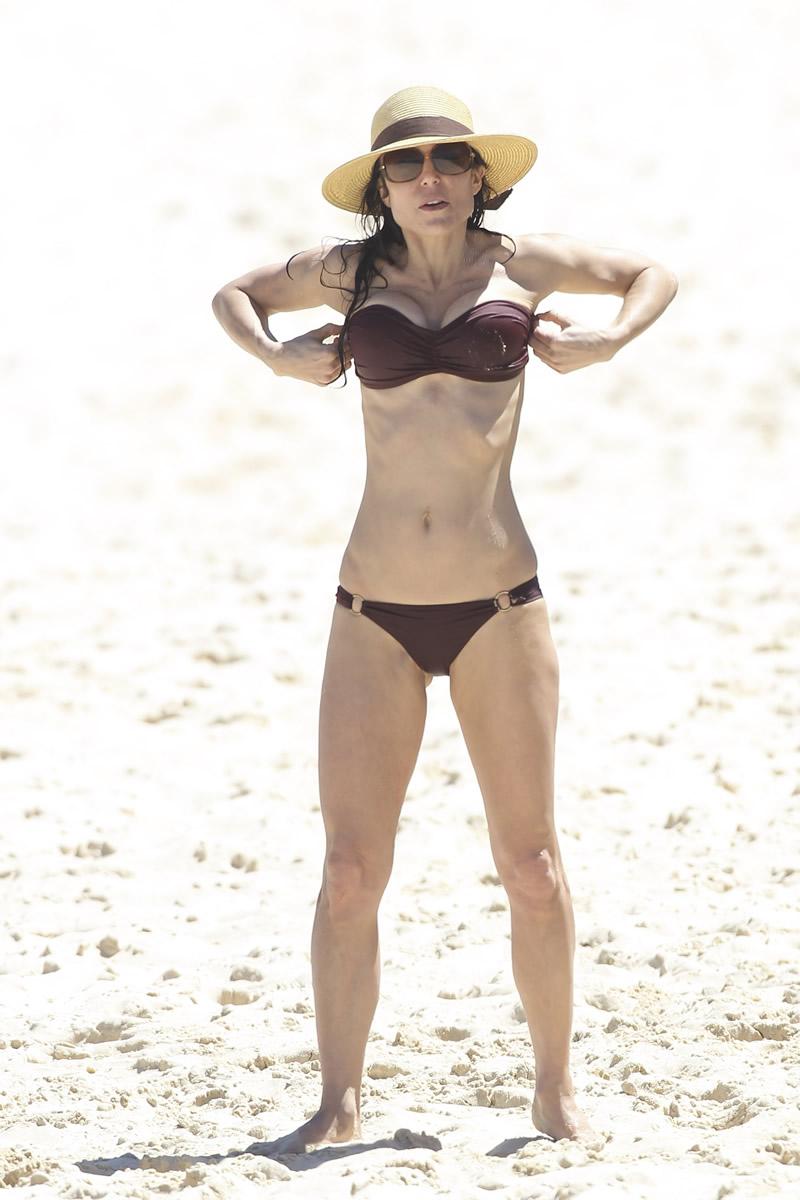 Bethenny Frankel 2013 : Bethenny Frankel in Bikini on vacation in Australia -10