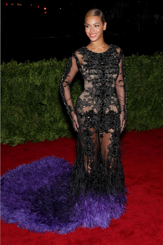 Beyonce – 2012 Metropolitan Museum of Arts Costume Institute Gala-01