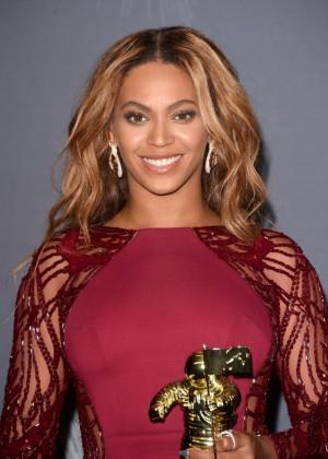 Beyonce: 2014 MTV Video Music Awards -02