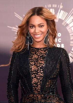 Beyonce: 2014 MTV Video Music Awards -04