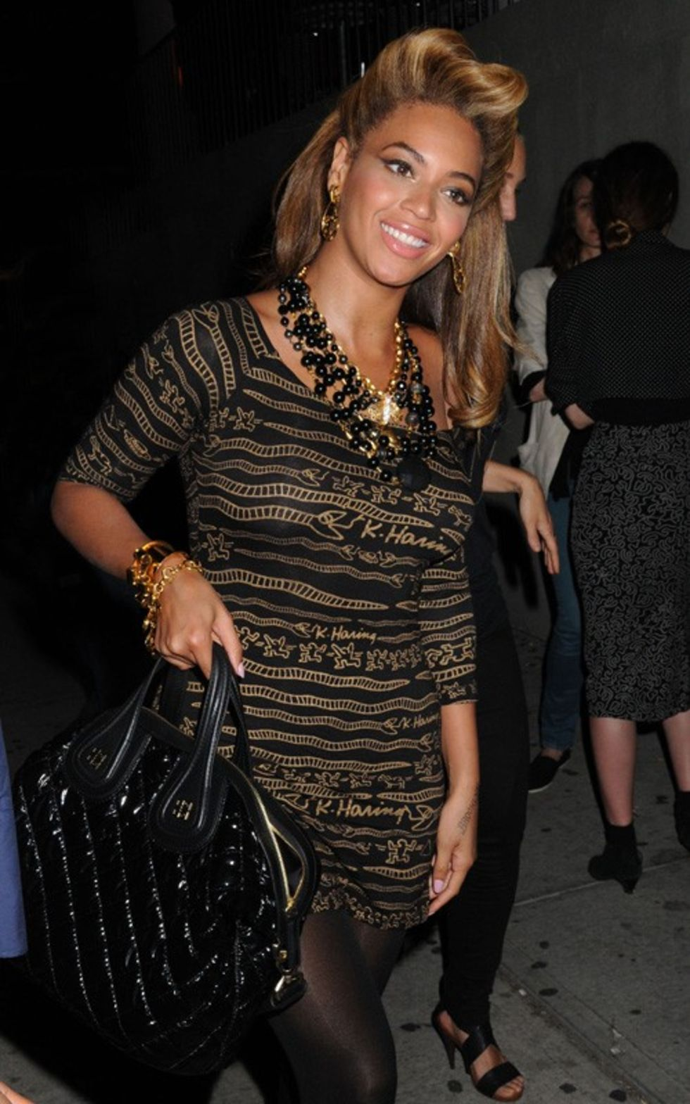 Beyonce 2010 : beyonce-and-kate-hudson-at-the-spring-fling-08