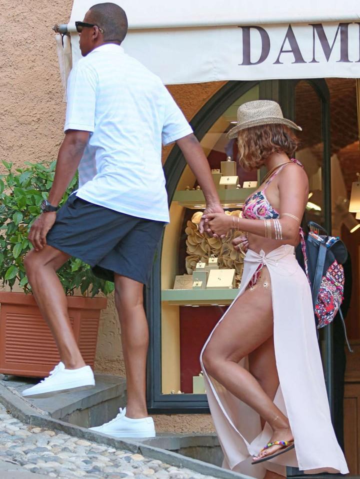 Beyonce in Bikini -07