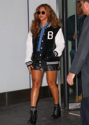 Beyonce and Jay-Z Leaving Their Office in New York