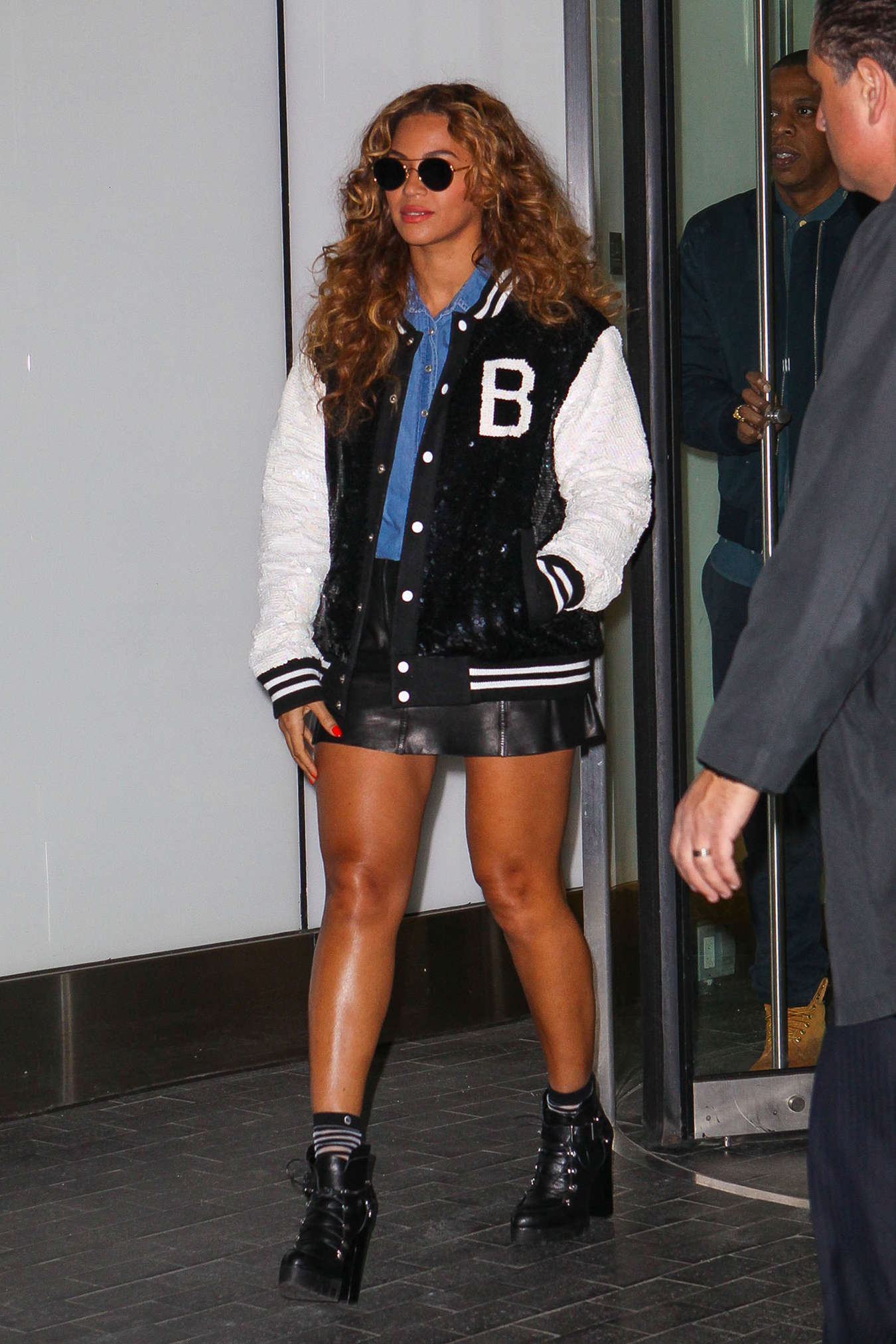 beyonce and z leaving their office in new york