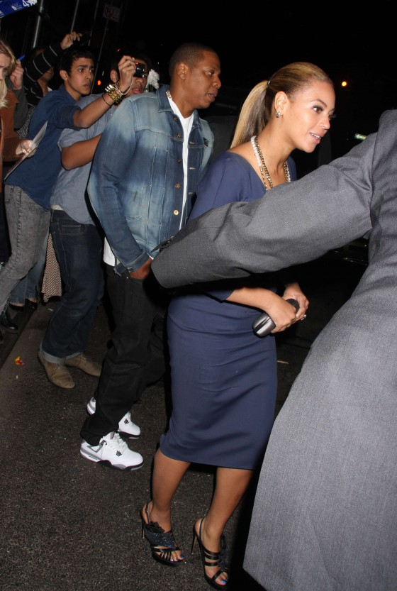 Beyonce hot in blue dress in New York-04