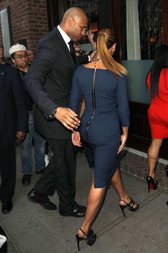 Beyonce hot in blue dress in New York-07