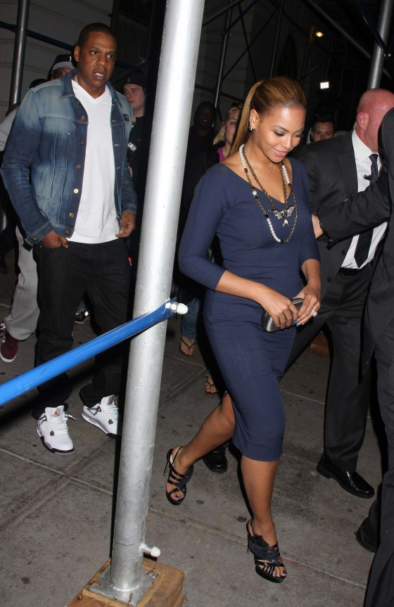 Beyonce hot in blue dress in New York-08