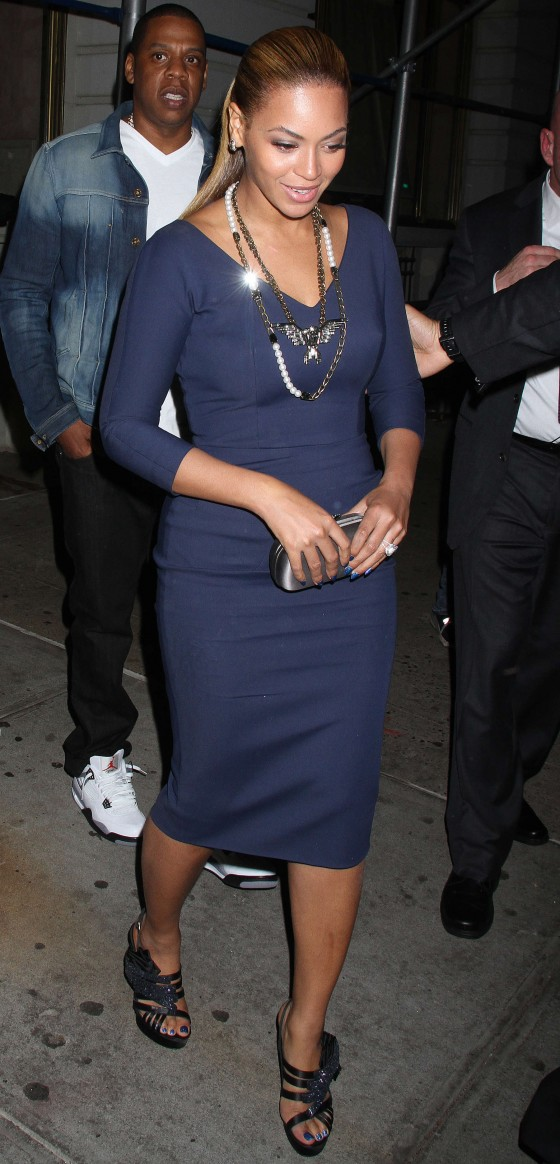 Beyonce hot in blue dress in New York-09