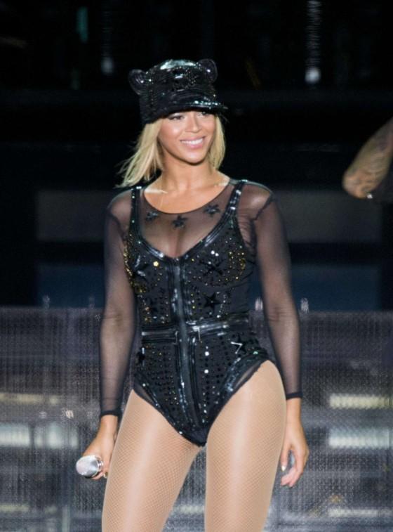Beyonce Photos: V Festival 2013 in England -10