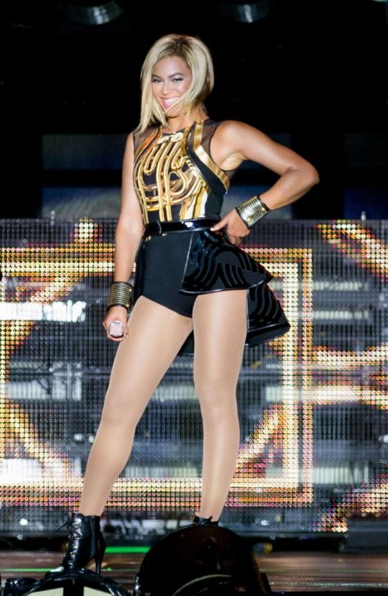 Beyonce Photos: V Festival 2013 in England -11