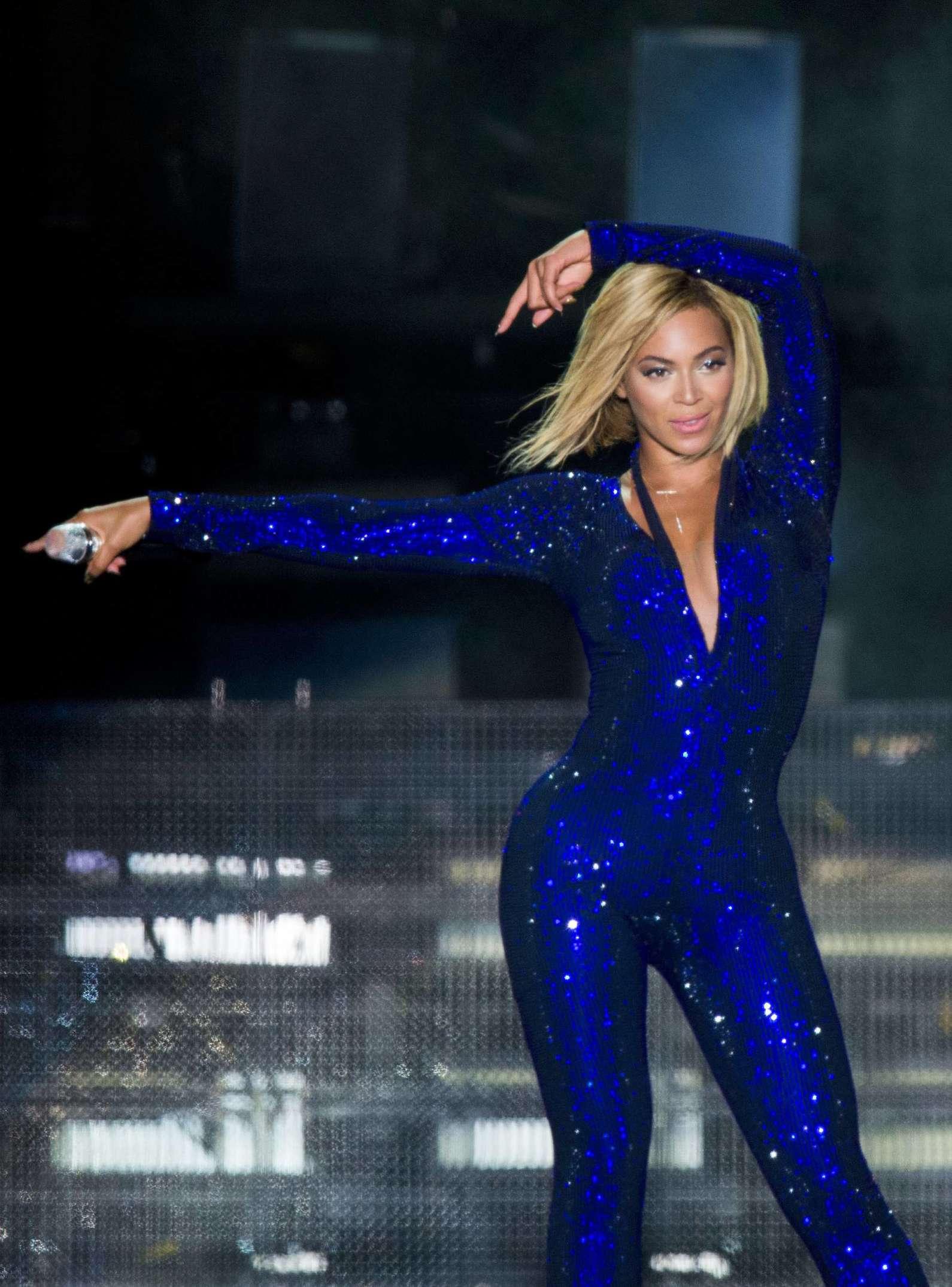 Beyonce Photos: V Festival 2013 in England -37