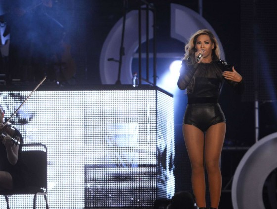 Beyonce – Performing at The Sound of Change in London -14