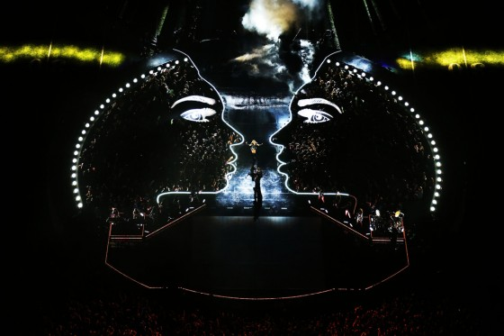 Beyonce Super Bowl 2013 Performing-11