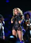 Beyonce Super Bowl 2013 Performing-12