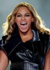 Beyonce Super Bowl 2013 Performing-13
