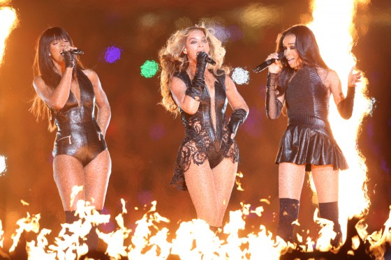 Beyonce Super Bowl 2013 Performing-16