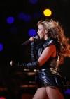 Beyonce Super Bowl 2013 Performing-23