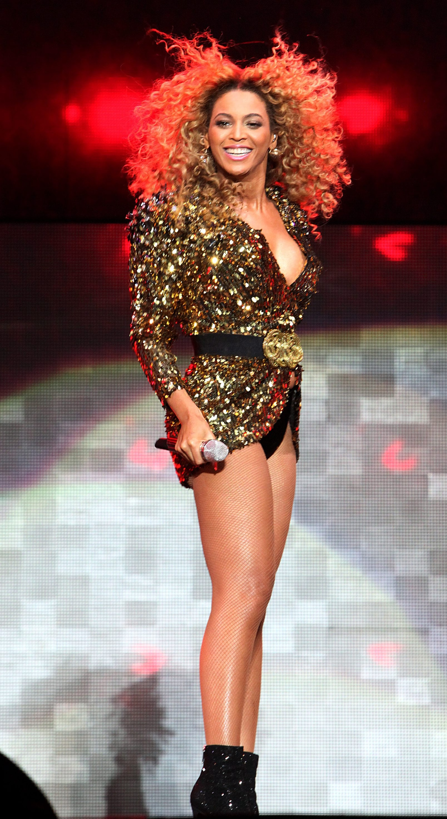Beyonce Performs At The 2011 Glastonbury Festival 11