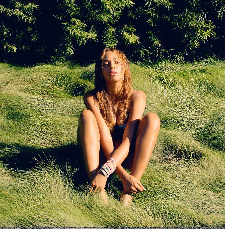 Beyonce Hot Personal Photos 02 Gotceleb