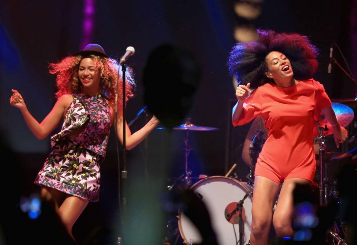 Beyonce & Solange Knowles – Performing at the 2014 Coachella