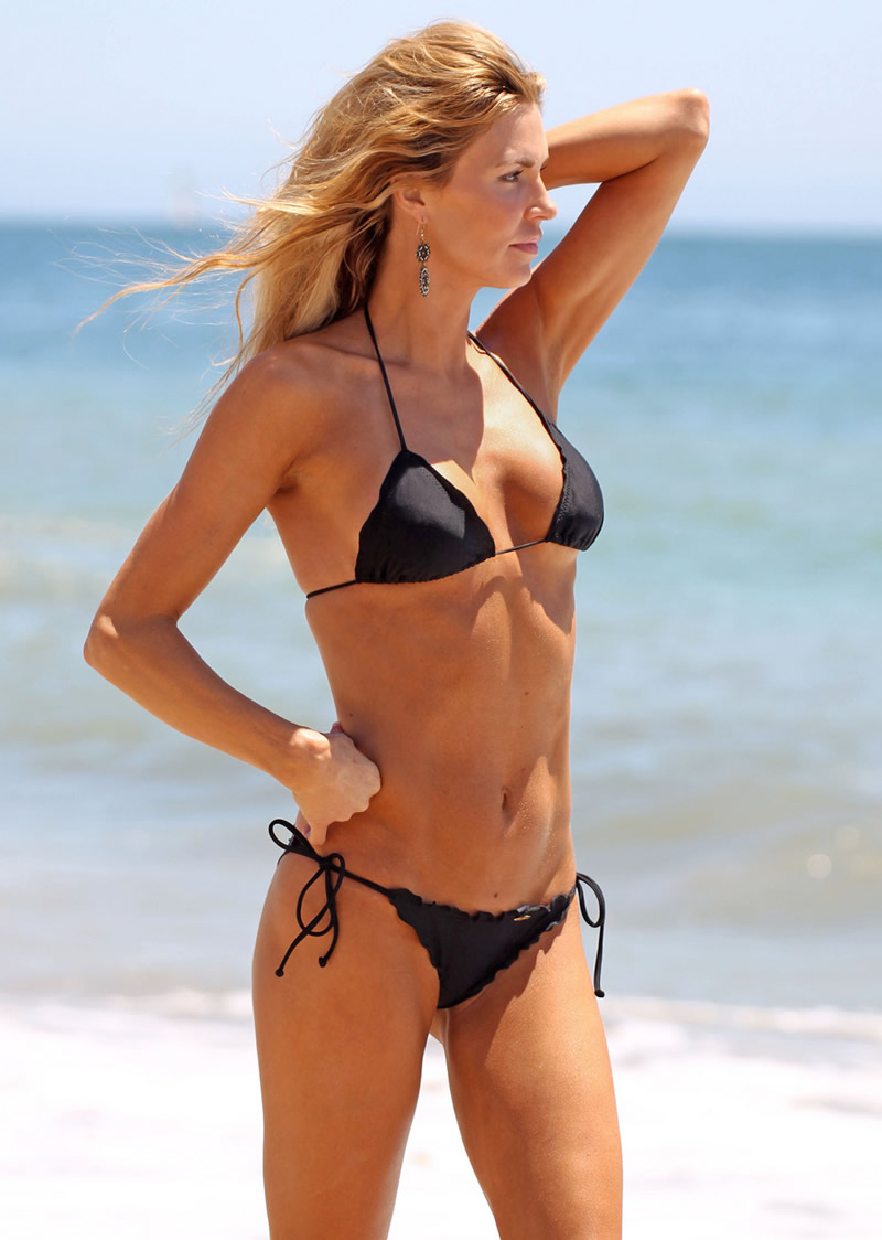 Brandi Glanville Bikini Candids At The Beach In L A  Gotceleb