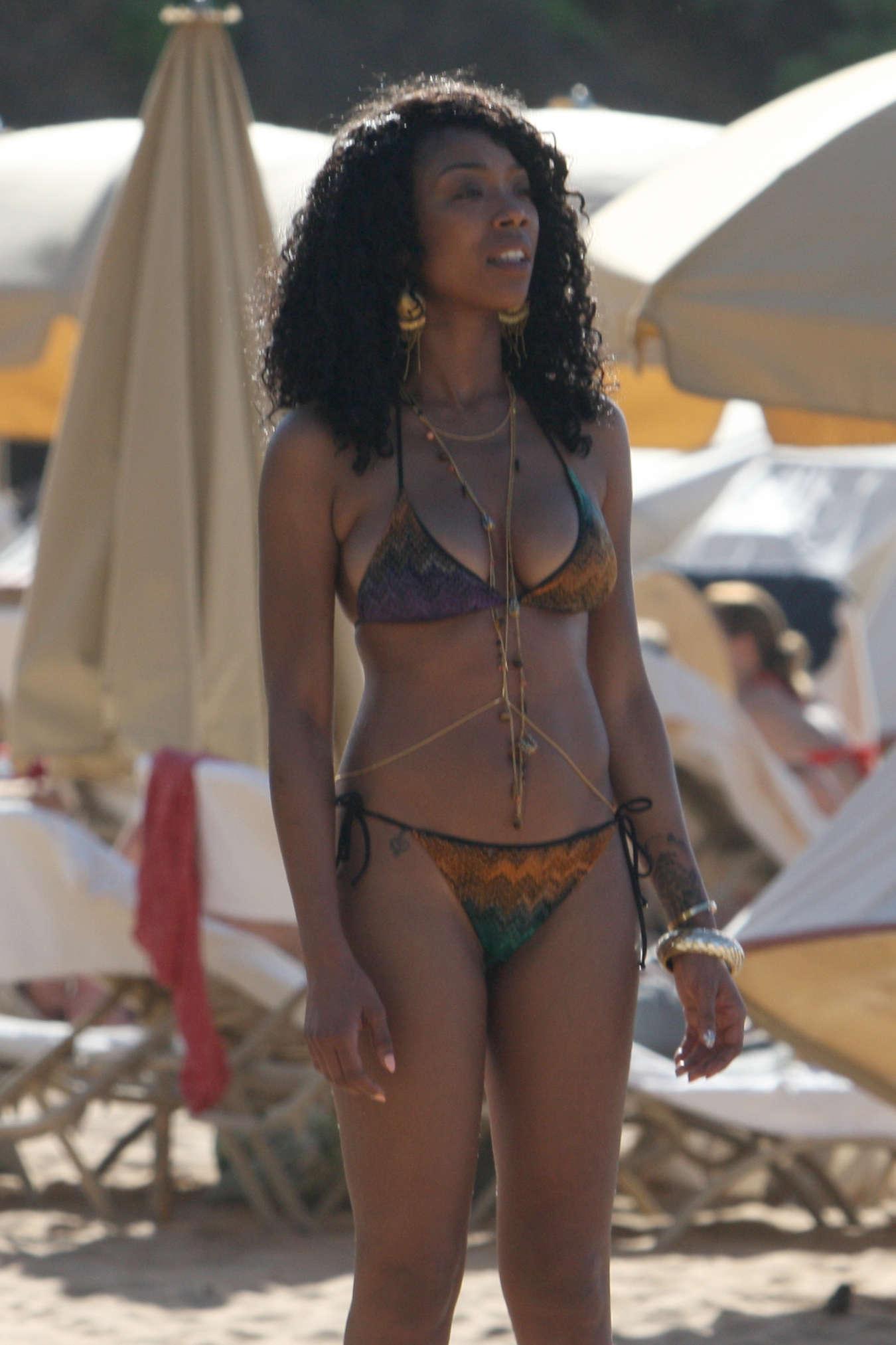 Brandy Norwood In Bikini In Hawaii -05  Gotceleb-9285