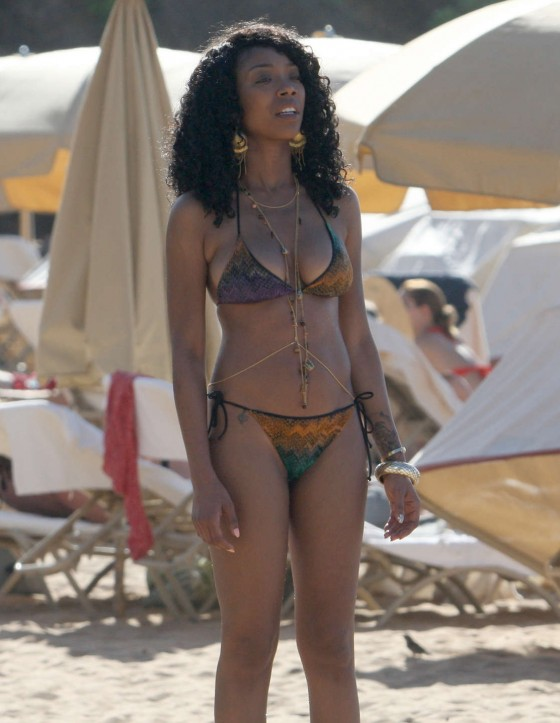 Brandy Norwood - Bikini Candids at a beach in Hawaii