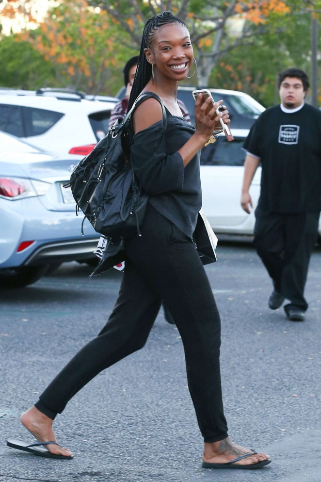 Brandy Norwood in Tights Shopping in Los Angeles