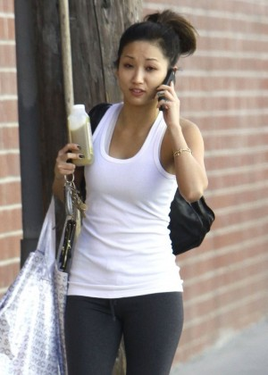 Brenda Song In Yoga Pants Going to the gym -07