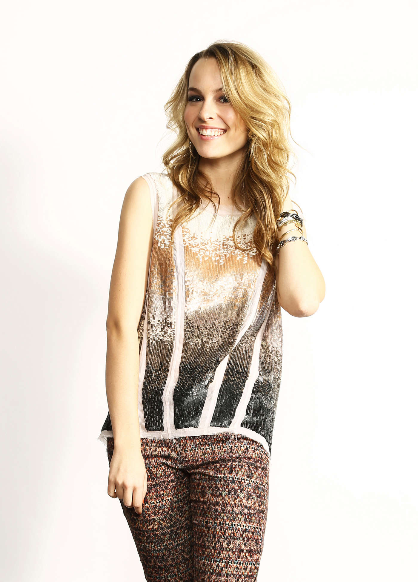 Bridgit%20Mendler%20at%20Z100s%20Jingle%20Ball%202012%20Photoshoot%20-12.jpg