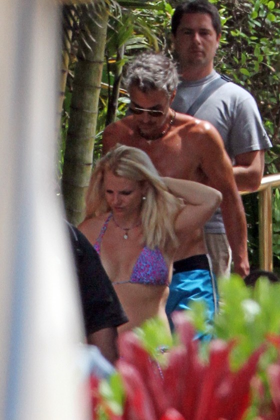 Britney Spears - Bikini candids in Hawaii