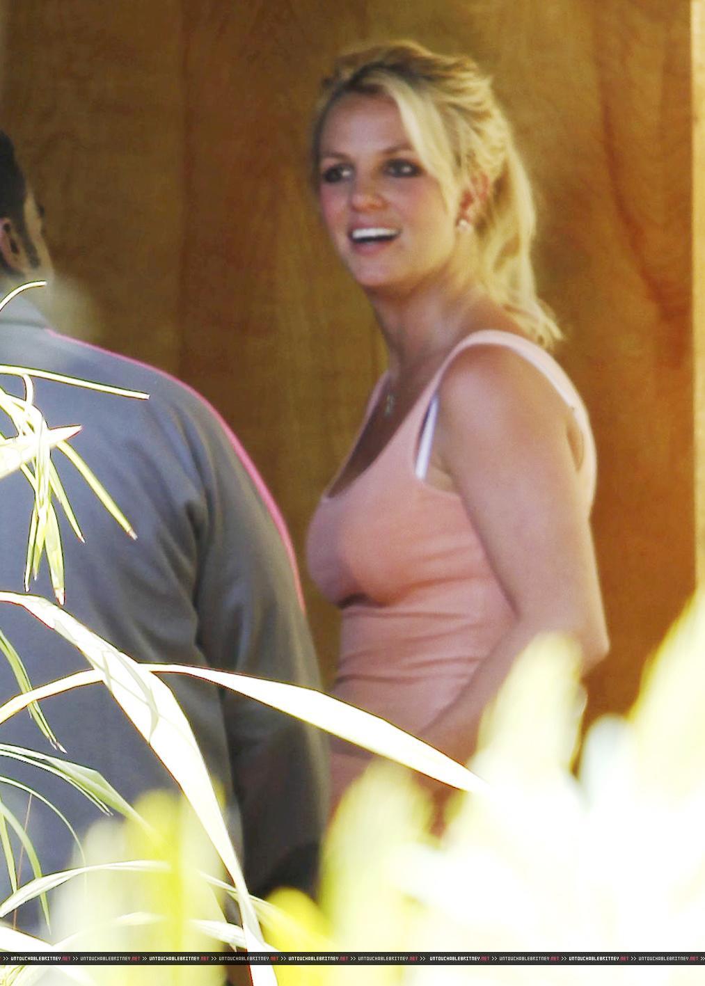 Las Vegas Rodeo >> Britney Spears Denim Shorts Candids in Los Angeles – GotCeleb