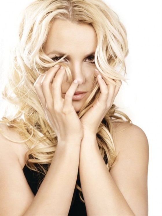 britney-spears-femme-fatale-photoshoot-2011-adds-04