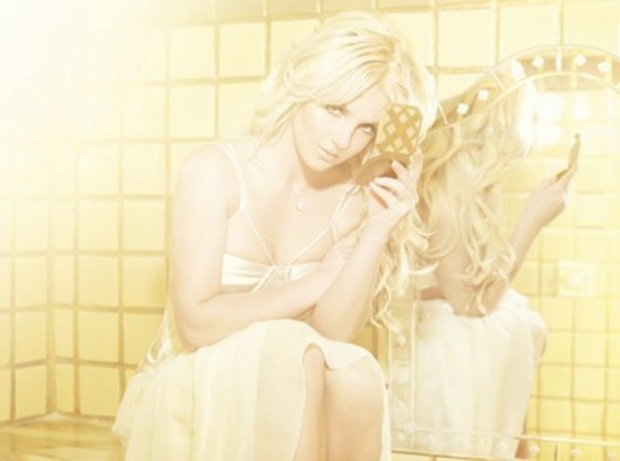 britney-spears-femme-fatale-photoshoot-2011-adds-08