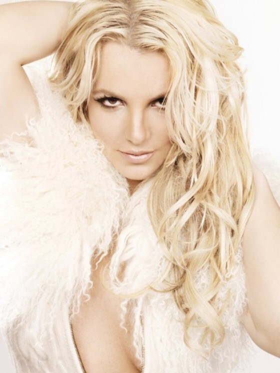 britney-spears-femme-fatale-photoshoot-2011-adds-09