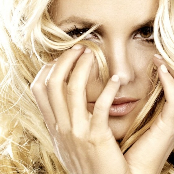 britney-spears-femme-fatale-photoshoot-2011-adds-10