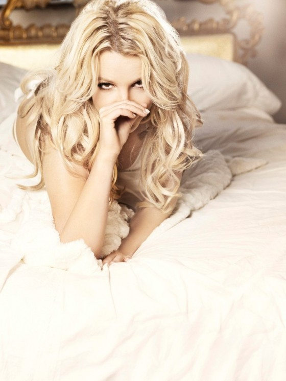 Am I the only one who prefers the Femme Fatale era over the Circus era? - Britney  Spears - BreatheHeavy | Exhale