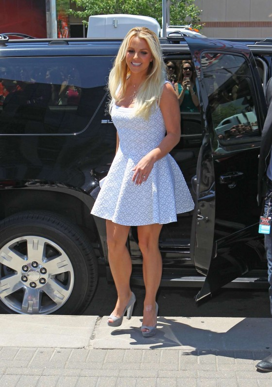 Britney Spears - Show her legs in a short white dress and high heels at X-Factor auditions in Missouri